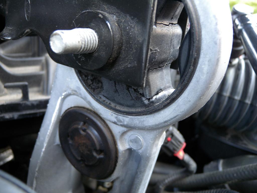 Смяна на тампон на двигател